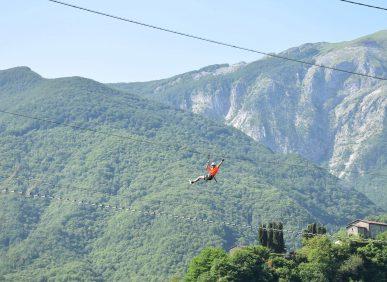 Il Percorso per Temerari termina con una zipline sul lago di Vagli - Parco Avventura Vagli Park